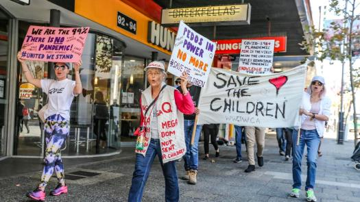 Small Perth crowd rallies for anti-lockdown 'freedom ...