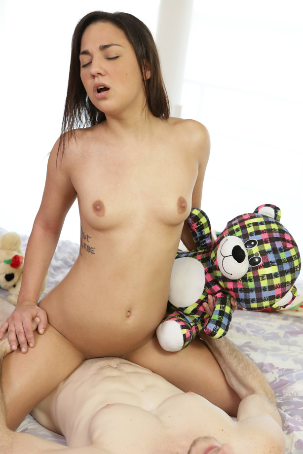 Petite HD Porn - Stuffed - S15:E6