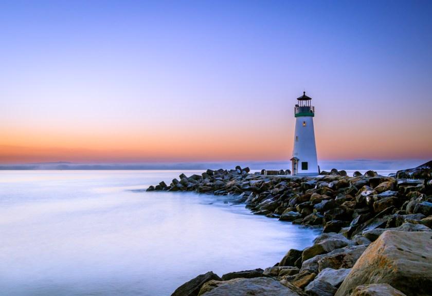 faire l'amour dans un lieu public phare, Bretagne, aube, bord de mer