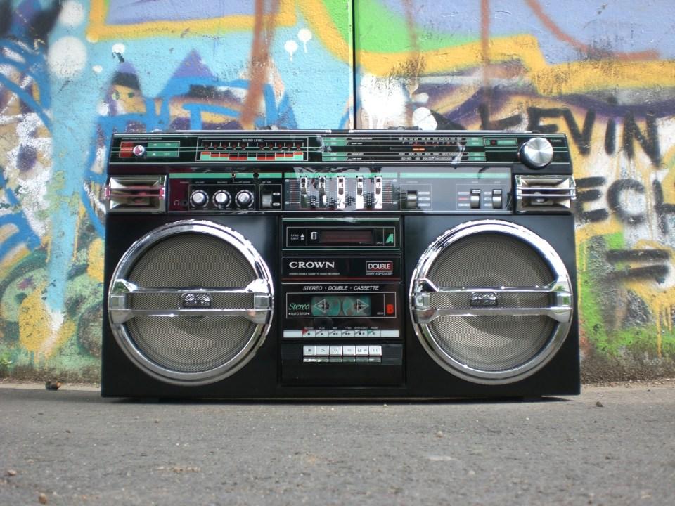 12 Best Crank Radio for Grid Down Emergency in 2021