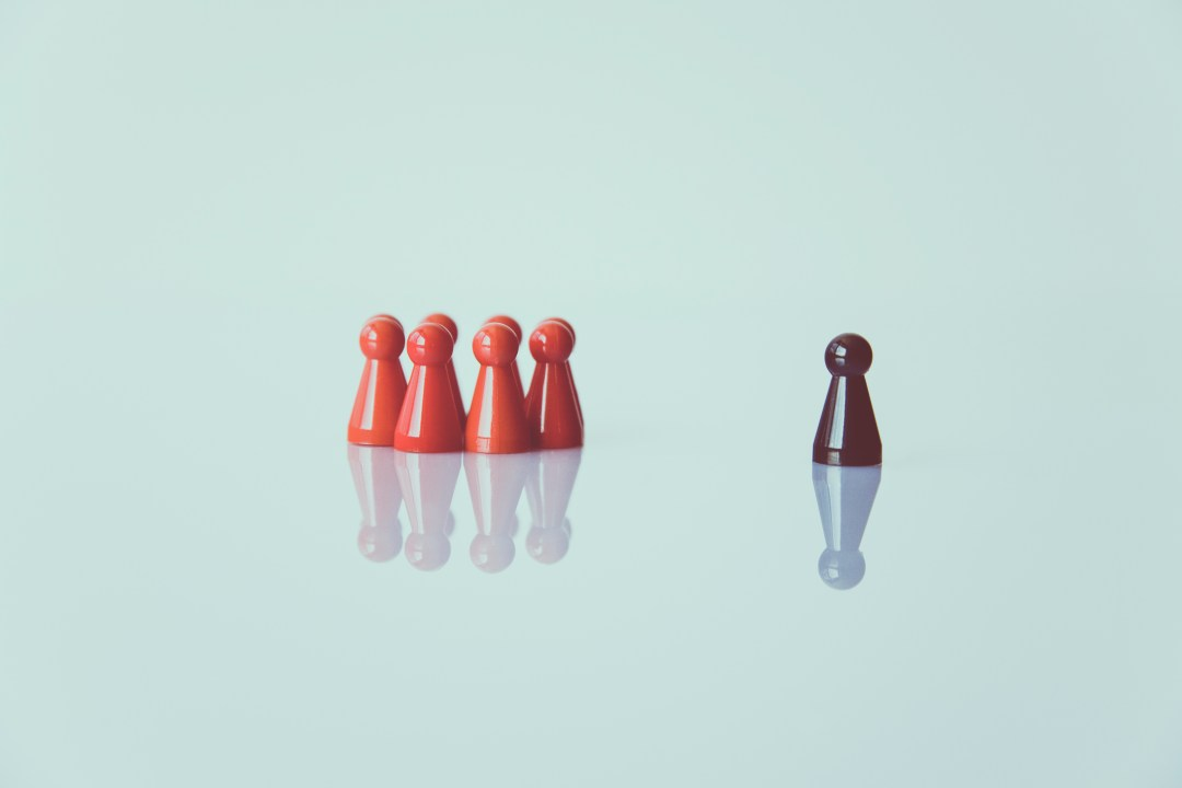 alone, chess pieces, color, be authentic in the first 100 days