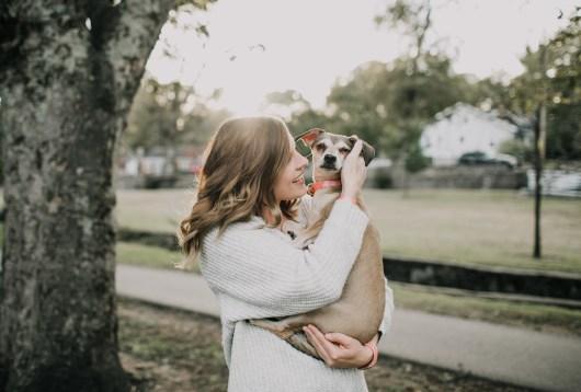Foto profissional grátis de abraçando, abraço, afeição, alegre