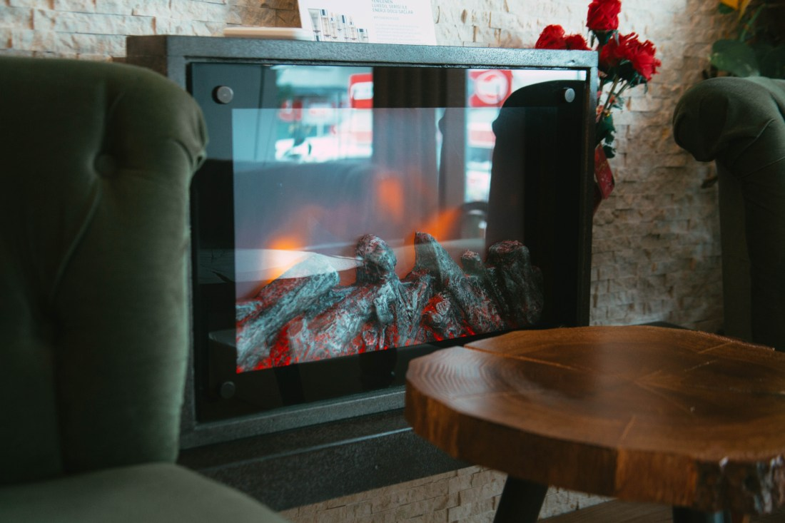 Glassy fireplace design and inspiration - Living room