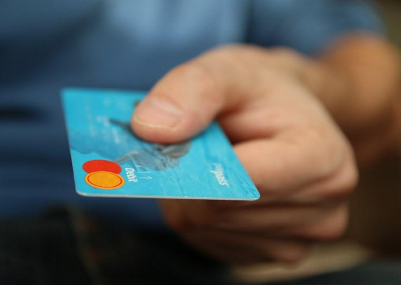 https://i1.wp.com/images.pexels.com/photos/50987/money-card-business-credit-card-50987.jpeg?resize=822%2C586&ssl=1