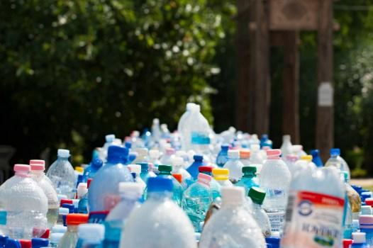 Kostenloses Stock Foto zu flaschen, recycling, müll, kunststoff