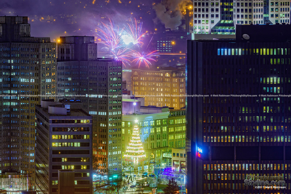 Pittsburgh fireworks ring in the New Year 2017 from Mt. Washington