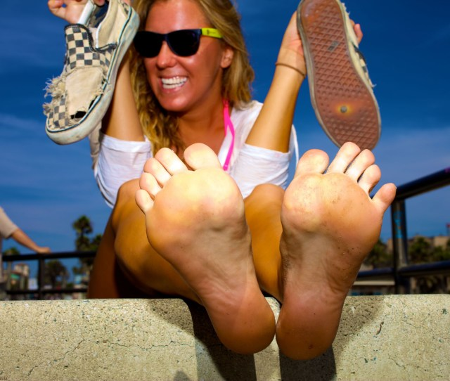 Outdoor Chicks Take Off Their Shoes And Sandals To Show Every Inch Of Their Bare