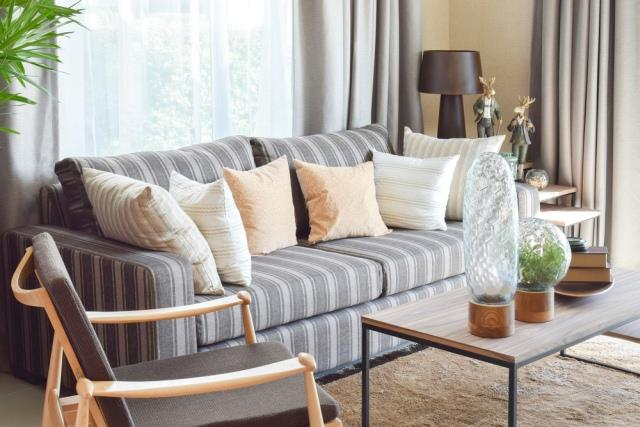 how to reupholster a sofa building