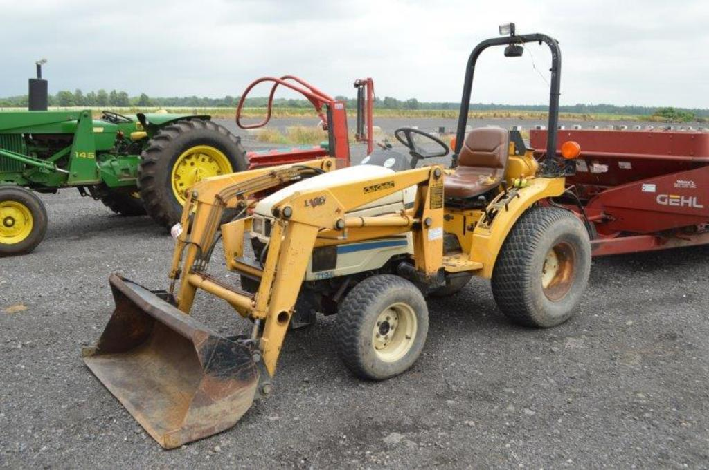 Before i bought the b7100 in 1995, i seriously considered a cub cadet because i had a cub cadet riding mower (lawn tractor) and it was a dandy. Cub Cadet 7194 Compact Tractor W L106 Loader W 48 Bucket 1 080 Hrs 3pt 540 Pto Hydraulics Farm Machinery Implements Tractors Online Auctions Proxibid
