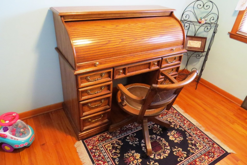 Riverside Oak Roll Top Desk 7 Drawers 2 File Drawers Excellent Conditio Estate Personal Property Furniture Auctions Online Proxibid