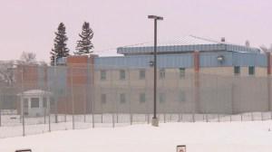 Un accès prioritaire aux vaccins demandé au centre de détention de Regina