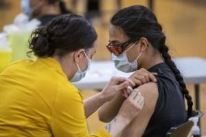 COVID-19 : l'Ontario réduit l'écart entre les doses de vaccin pour les Autochtones urbains