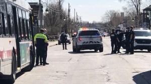Une policière ouvre le feu sur un suspect armé à Longueuil