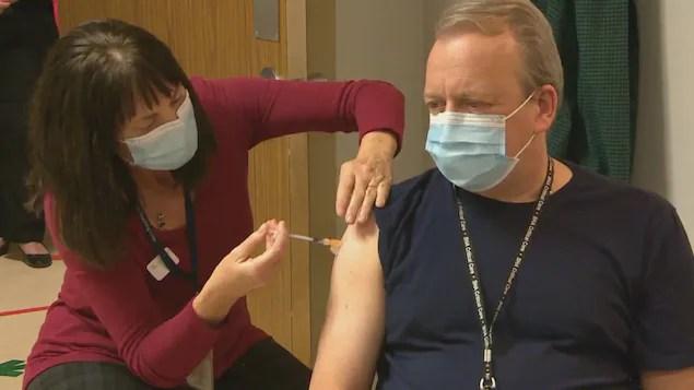 COVID-19: l'administration des premières doses de vaccin s'essouffle en Saskatchewan