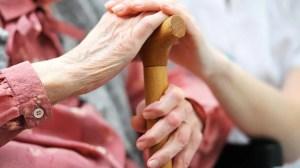 Foyers pour aînés: les francophones plus vulnérables aux transferts sans consentement
