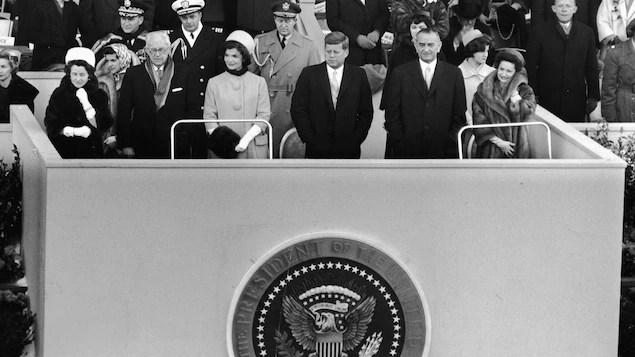 Le président John Fitzgerald Kennedy lors de sa cérémonie d'investiture le 20 janvier 1961 au Capitole