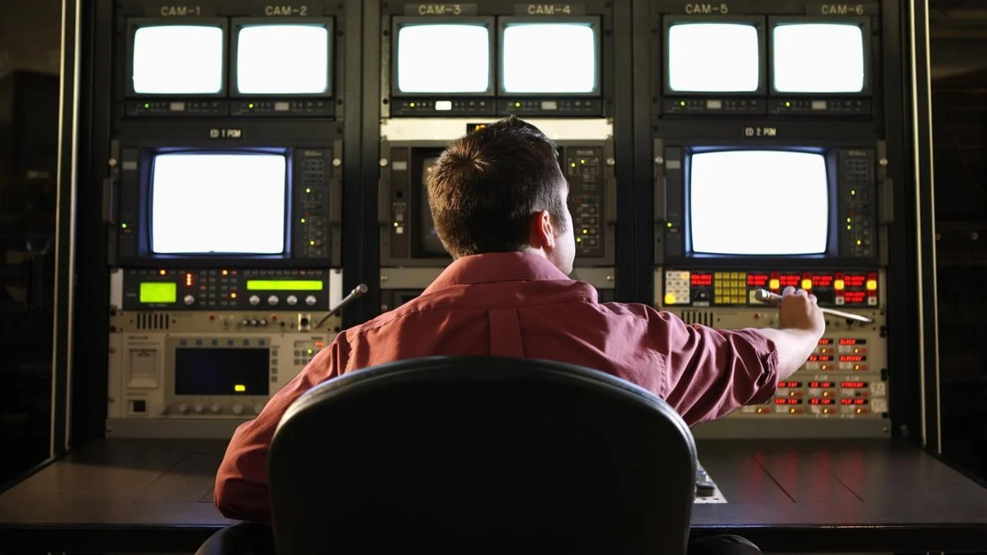 What Are The Positive And Negative Effects Of Mass Media