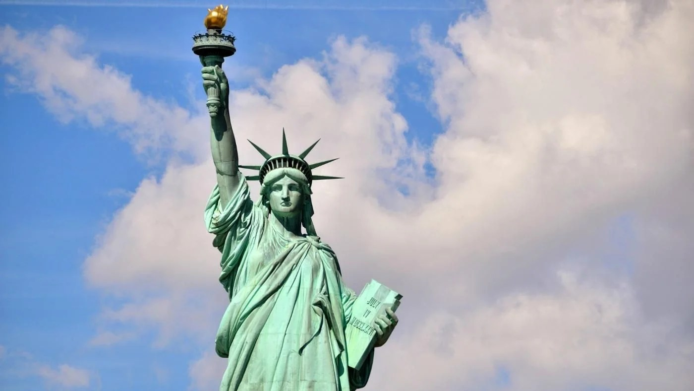 What Does The Tablet Say On The Statue Of Liberty