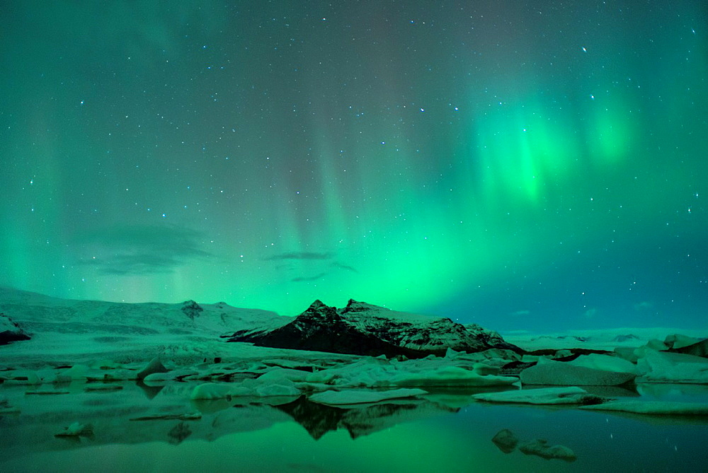 Image of the Northern Lights in Iceland