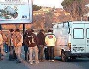 Operai stranieri in attesa del «caporale» alle porte di Roma (Faraglia)