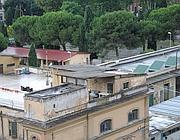 Eternit sui parte dei tetti del deposito Atac