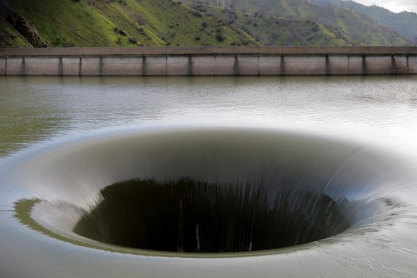 Best Time for Monticello Dam Morning Glory Spillway in