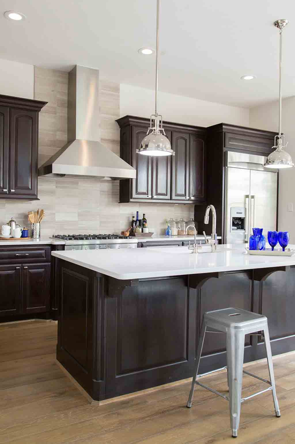 the best wall colors to update stained cabinets rugh design on best colors for kitchen walls id=51482
