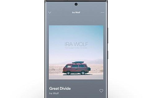 Galaxy Galaxy Note20 showing Spotify GUI.