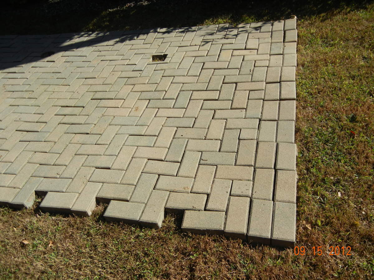 how to lay pavers for a patio fixing a