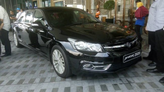 Prime Minister Tun Dr Mahathir's official vehicle, Proton Perdana.