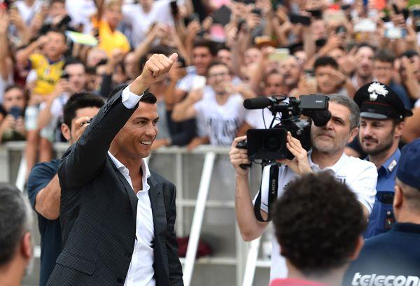Cristiano Ronaldo ha già iniziato in questi minuti i test fisici