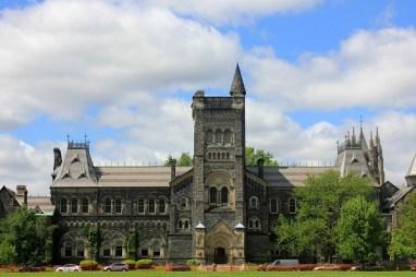 University of Toronto (U of T): Fees, Courses, Rank, Admission 2020, Scholarships, Eligibility