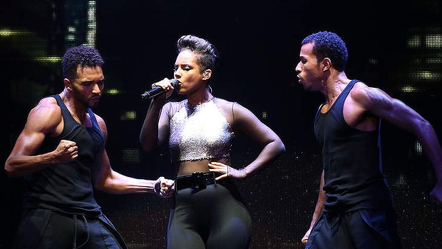 Alicia Keys keeps the heat turned on with her dancers at Allphones Arena.