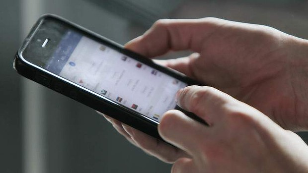 Smartphones are the new stalking weapon, a senate committee has heard.