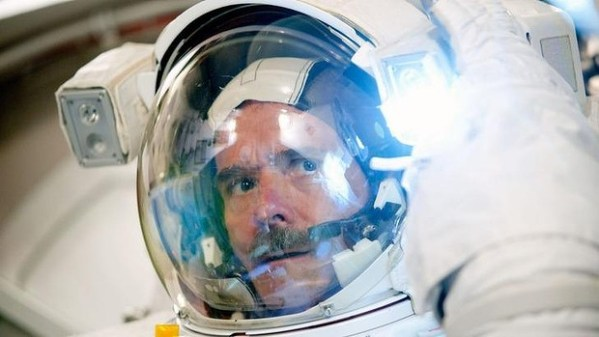 Chris Hadfield: How life on the international space ...
