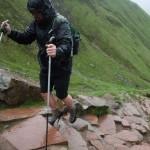 Ben Coway naik gunung pakai sepatu hak tinggi (Huffingtonpost.co.uk)