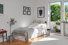 De-clutter every room