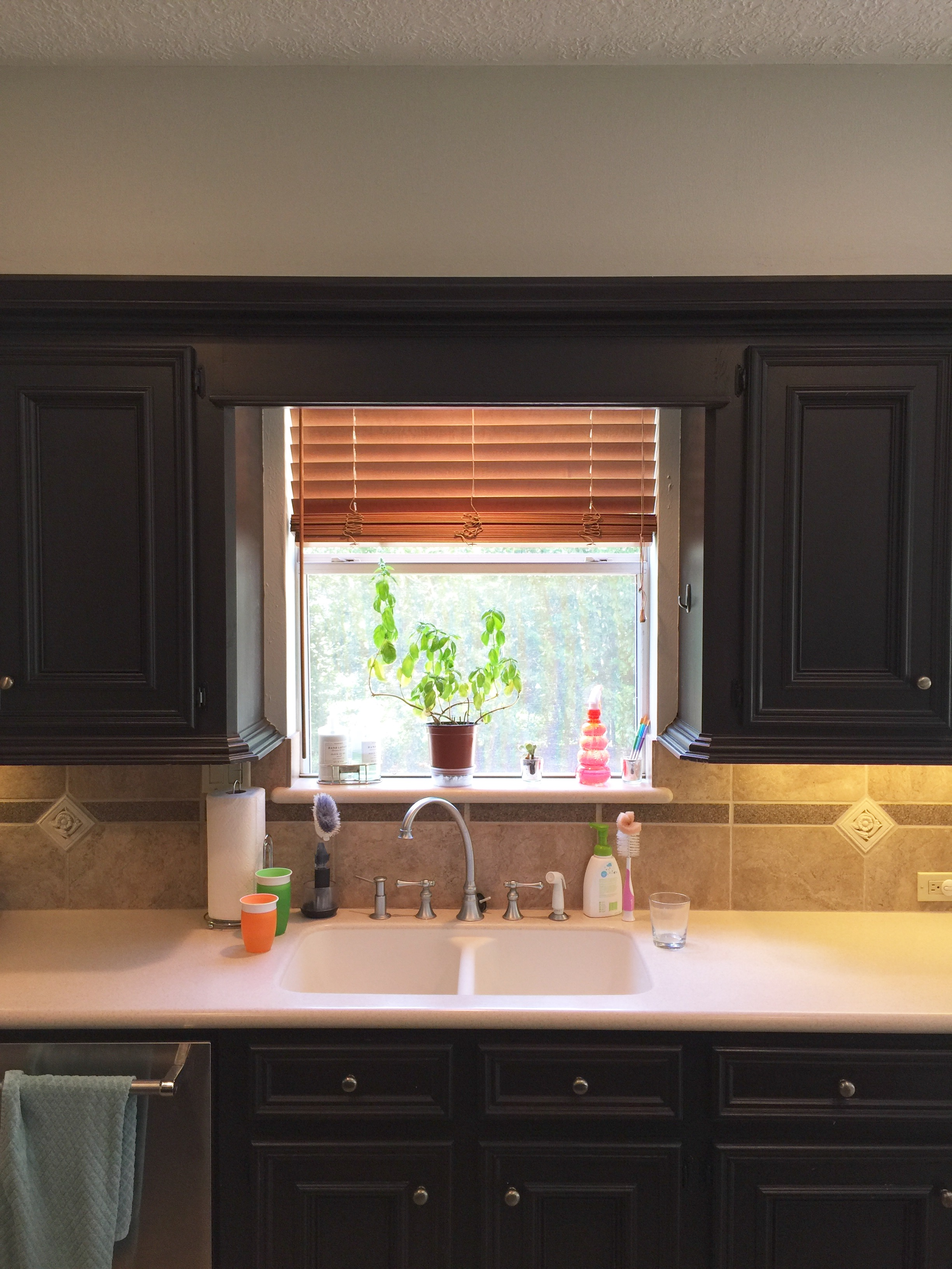 kitchen cabinets to the ceiling