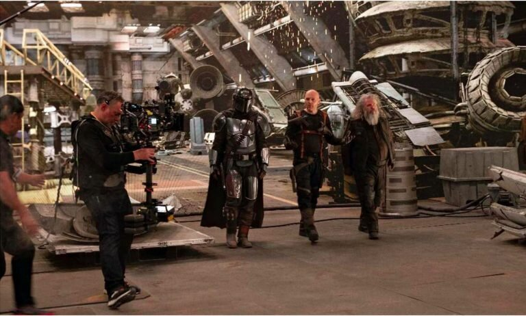 awesome-set-photos-from-the-mandalorian-shows-off-how-the-new-stagecraft-filmmaking-tech-is-utilized7.jpg