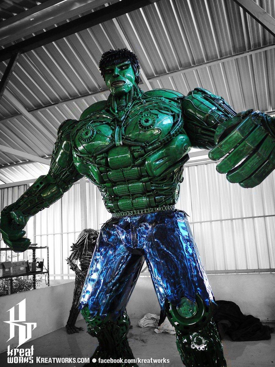 10-Foot-Tall-Recycled-Hulk.jpg