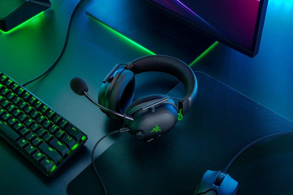 Razer BlackShark V2 [2020] Product Image 2.jpg
