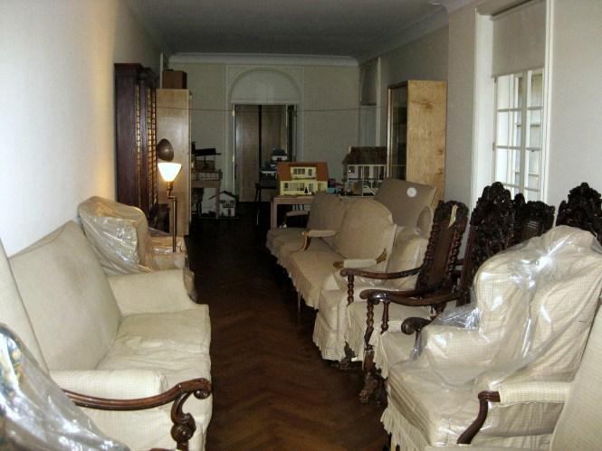907 Fifth Avenue Interior Empty