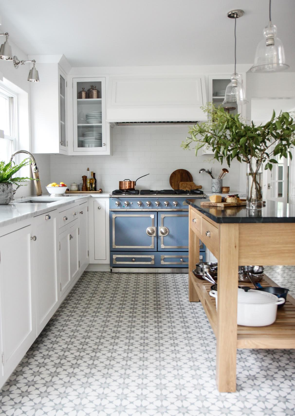 6 Tips For Small Kitchen Design on Small Kitchen:jdu_Ojl7Plw= Kitchen Remodeling Ideas  id=20771