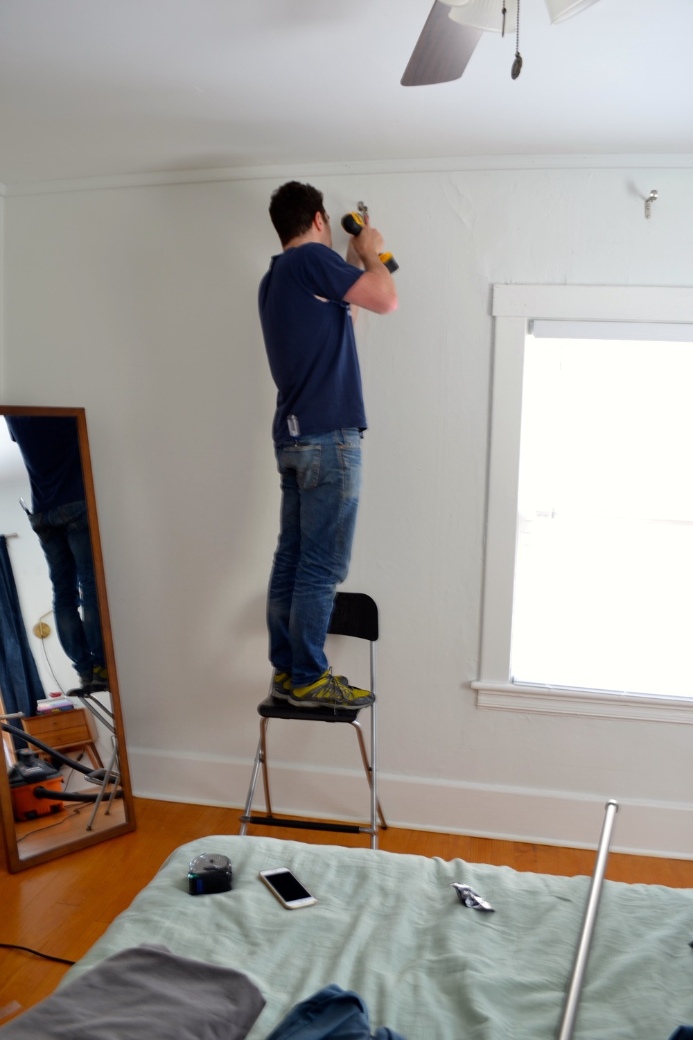 hanging on plaster walls a how to for
