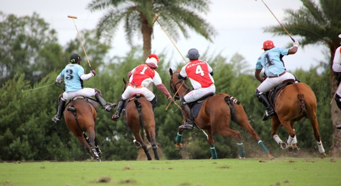 The four horsemen, Nic Roldan, Sugar Erskine, Brandon Phillips and Pierre Henri Ngoumou charge after Erskine's hit.
