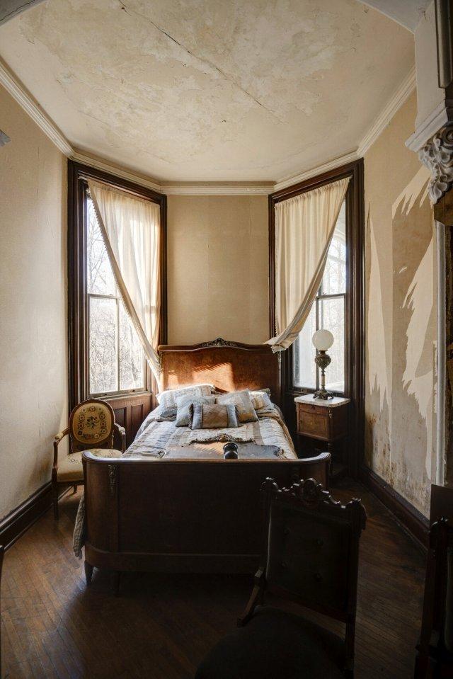 2 Interior Auburn NY Castle Home For Sale Auction Listings Real Estate Agent Broker Michael DeRosa .JPG