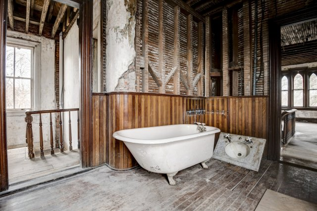 57 Interior Auburn NY Castle Home For Sale Auction Listings Real Estate Agent Broker Michael DeRosa .JPG