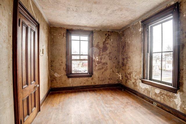 59 Interior Auburn NY Castle Home For Sale Auction Listings Real Estate Agent Broker Michael DeRosa .JPG
