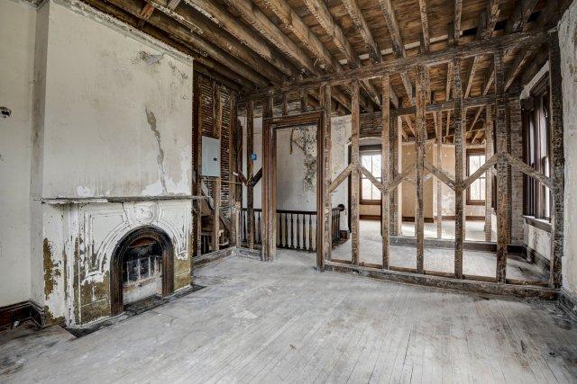 64 Interior Auburn NY Castle Home For Sale Auction Listings Real Estate Agent Broker Michael DeRosa .JPG