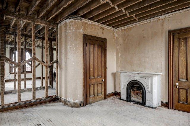 74 Interior Auburn NY Castle Home For Sale Auction Listings Real Estate Agent Broker Michael DeRosa .JPG